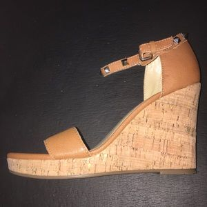 Marc Fisher Karyna wedges